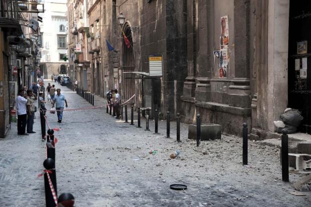 crollo-cornicione-della-chiesa-Santa-Maria-della-Pace